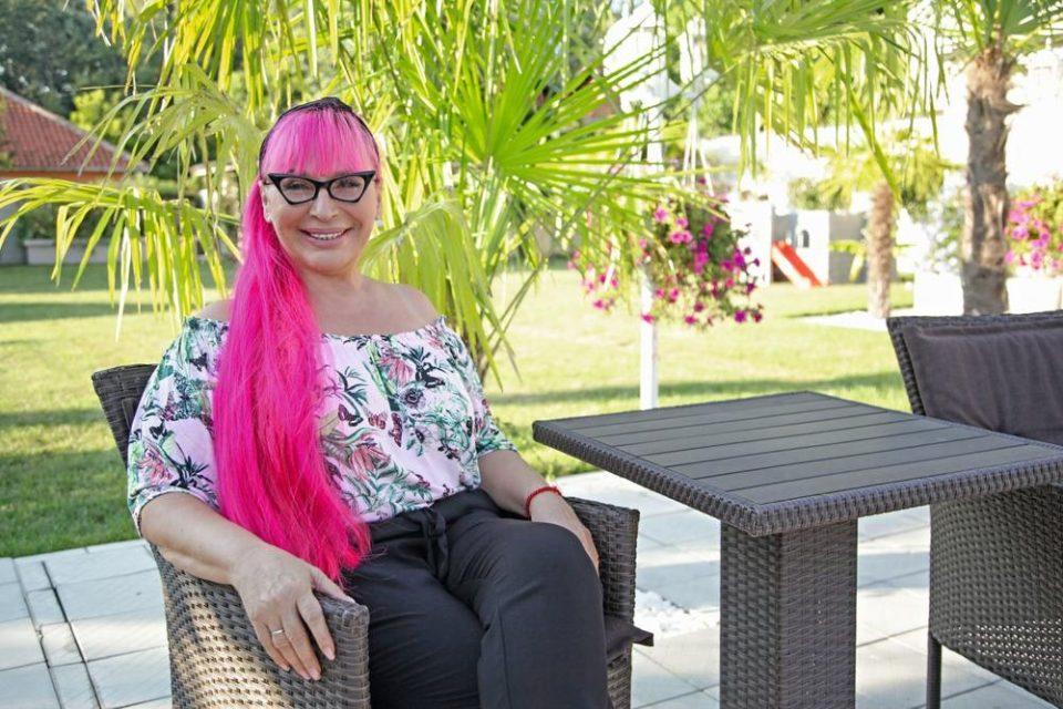 Уште една принова во семејството на Зорица Брунцлик: И другата ќерка на пејачката е бремена