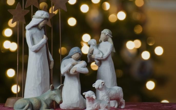 Обичаи за Бадник и Божик: Колку искри толку среќа, колку искри толку пари
