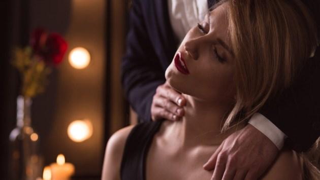 5 нешта на кои може да мислите за време на секс кои ќе ја вжештат играта
