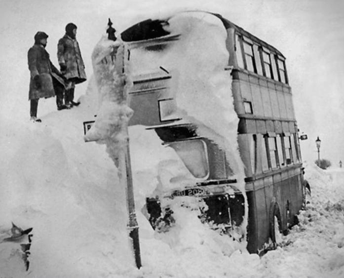 Снег веел 105 дена – скопјанец ја носел сопругата на раце низ снегот од Драчево до државна болница за да се породи