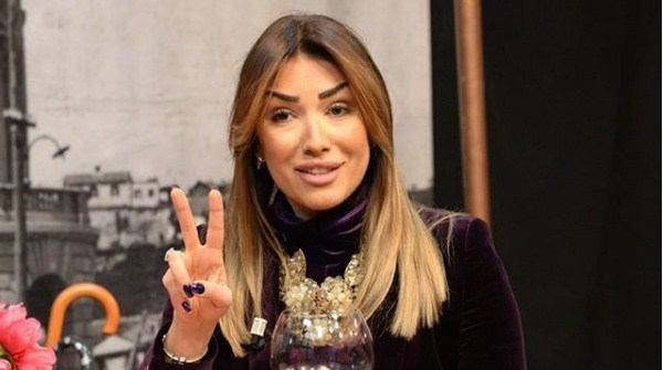1ТВ во отворена војна со Бојана Скендеровски: Од изгледот се префрлија на приватниот живот од нејзиното минато, а таа им се закани со тужба! (ФОТО)