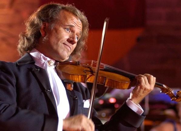 Андре Риу доаѓа во Скопје со 60 член оркестар