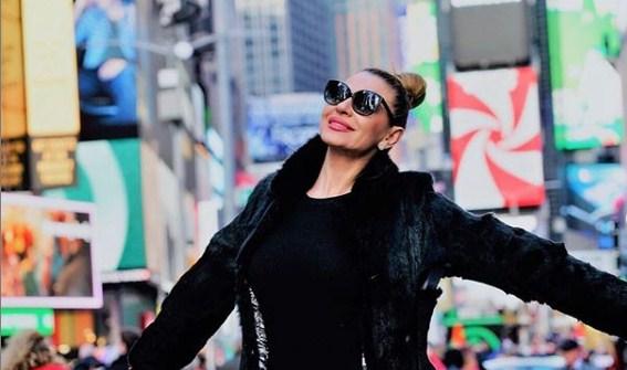 Елена Велевска постираше чуден статус: Дали пејачката најави дека сепак не може да го спаси бракот или…? (ФОТО)