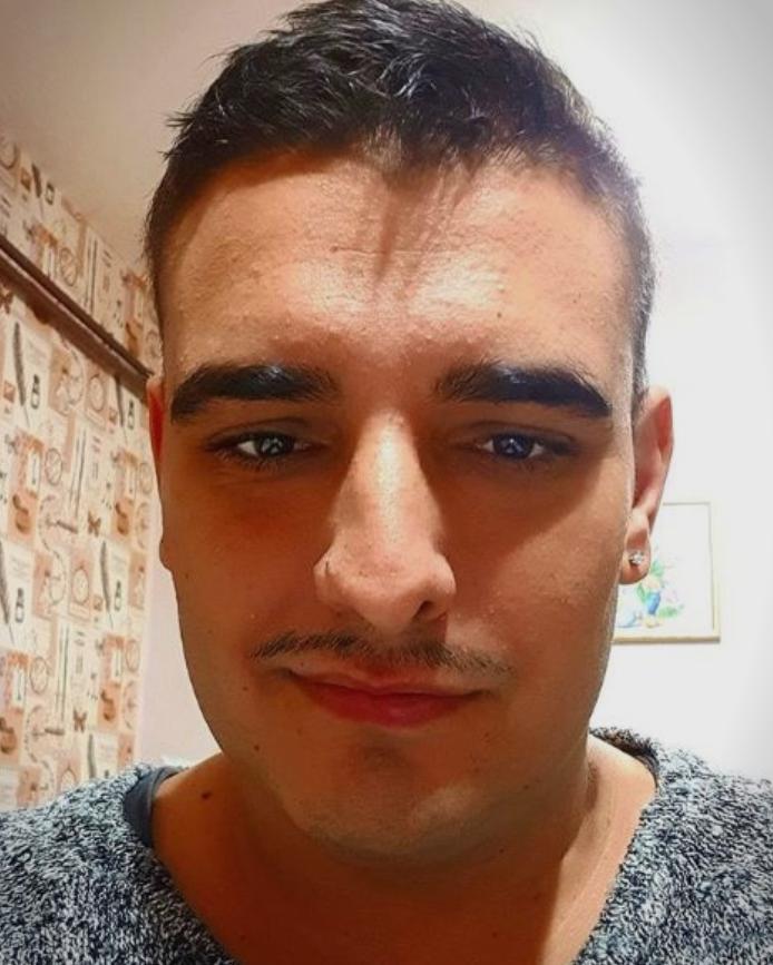 Дарко Лазиќ објави чудна фотографија со маска за лице, па предизвика илјадници коментари- од еден и самиот остана стаписан (ФОТО)