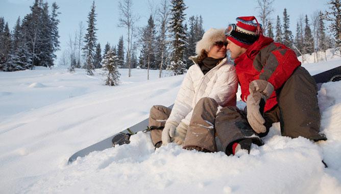 Зошто зимата е најповолното време во годината за заљубување?
