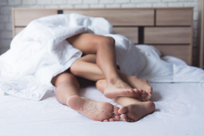 Бегање од рутината: Водење љубов во хотелска соба отколку дома!