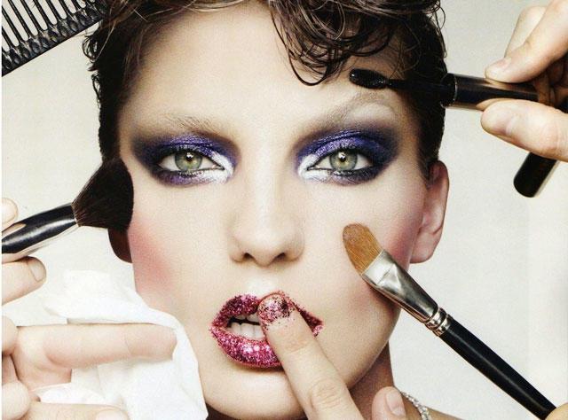 Каква шминка никогаш нема да излезе од мода?