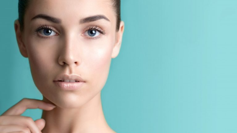 3 грешки што имаат лошо влијание врз здравиот изглед на вашата кожа