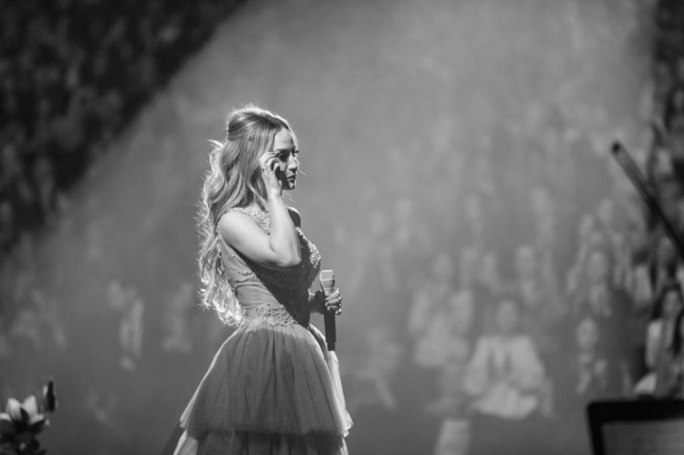 Јелена Томашевиќ заради него во солзи го прекина концертот: Моќта на емоциите (ФОТО)