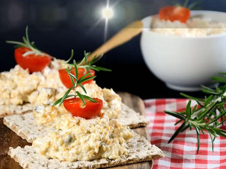 Повкусна од руска: Брза салата со пилешко и сусам
