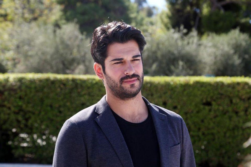 Бурак и Фахрие станаа родители: Најпосакуваната турска двојка доби син, а еве кое име го одбраа за бебето