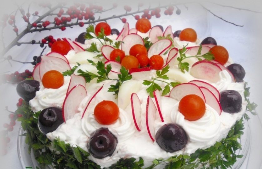 Велигденска солена торта