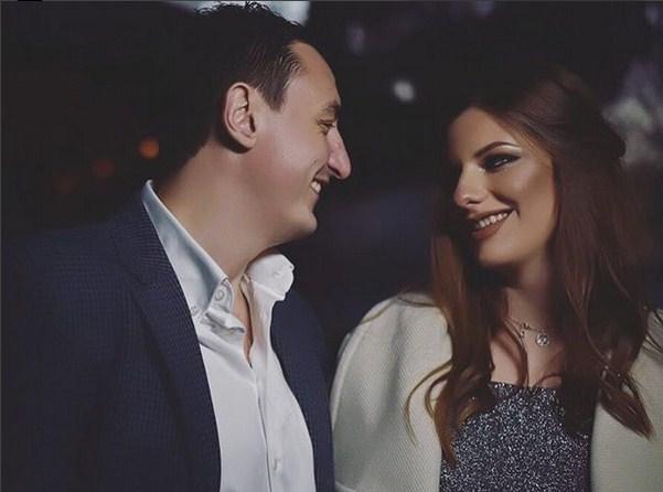 Далеку од очите на јавноста: Борко Ристовски и неговата сопруга имаа важен повод за славење на егзотична дестинација (фото)