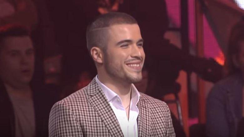 """Mедиумите го нарекоа новиот Тоше Проески: Презгодниот Македонец со песна од Драгојевиќ растури во """"Ѕвездите на Гранд"""""""