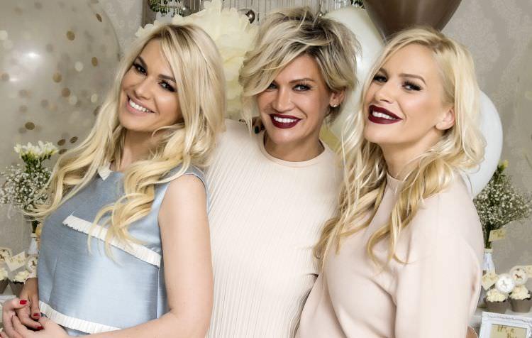 Женски викенд во Париз: Сестрите Баквалац ја посетија француската метропола, а Наташа доби позитивни критики за модното издание