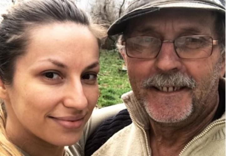 """""""Едвај врзувавме крај со крај"""": Таткото на Рада Манојловиќ открива низ што минувале кога таа беше во """"Ѕвездите на Гранд"""""""