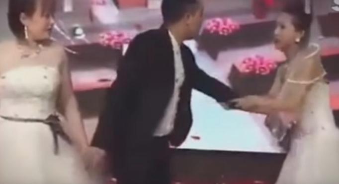 На свадбата се појави поранешната девојка на младоженецот и направи невидена драма (видео)