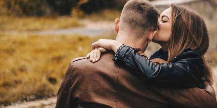 Пет сигурни знаци дека сте вљубени