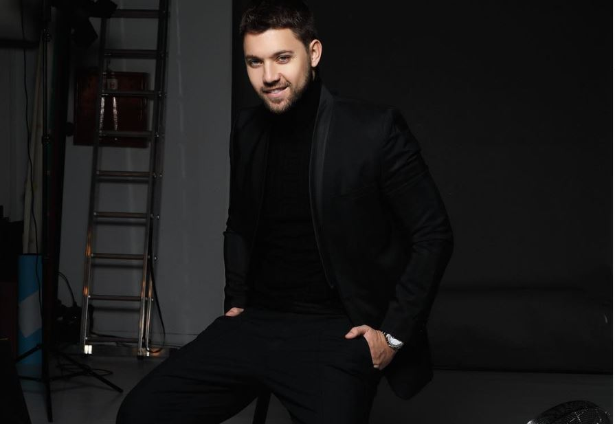 """Стефан Живојиновиќ: """"Ме """"муваа"""" пејачки на """"Гранд"""" за да подобро се позицираат во продукцијата"""