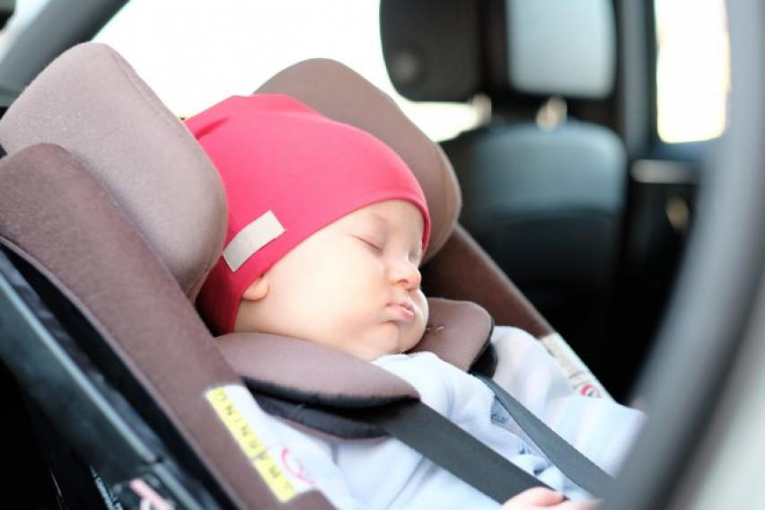 Само што излегле од породилиште, го заборавиле своето бебе во такси