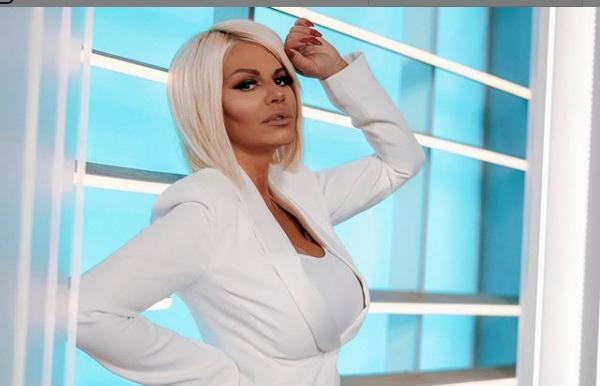 Дара Бубамара е уверена дека австралиската претставничка на Евровизија ја копира, а има и доказ (фото)