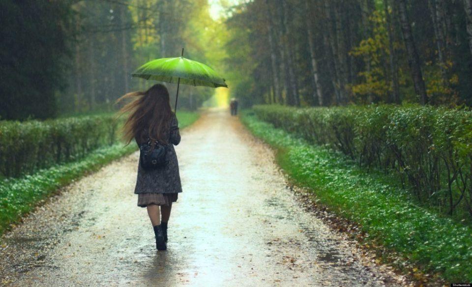 Како влијае прошетката на дожд за нашето здравје?