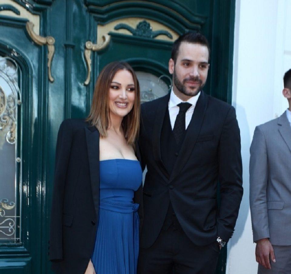 Александра Пријовиќ без градник се појави на свадбата кај Данијела Кариќ