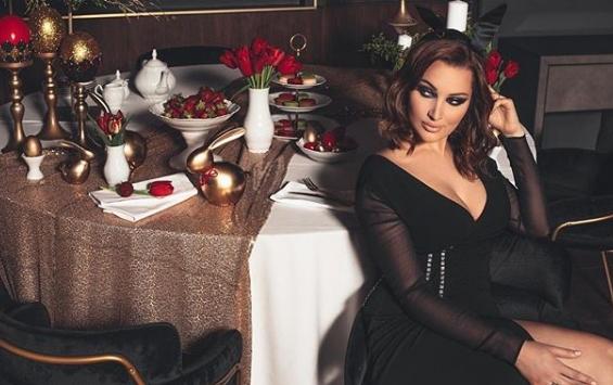 Александра Пријовиќ се породи пред два месеци, а сега се појави во тесна облека и се пофали со линијата (фото)