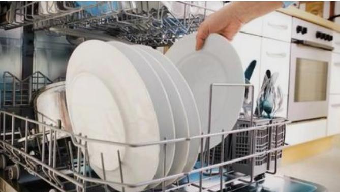Овие работи редовно ги ставате во машината за садови, а така се шират бактерии