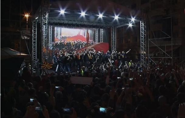 """Вардарци триумфално дочекани, добија грандиозна прослава, а народот се поклони пред Стоилов: """"Столе ти си наша икона"""""""