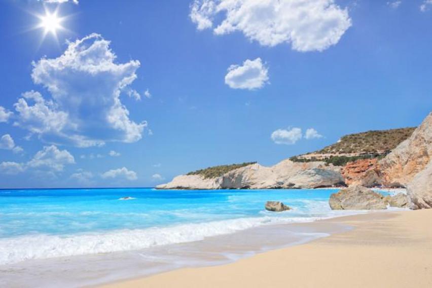 До оваа рајска плажа во Грција се стигнува за само 15 евра: Луѓето ја обожуваат, а еве каде се наоѓа