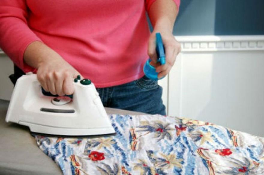 Направете домашен спреј со кој ќе имате совршено испеглани алишта