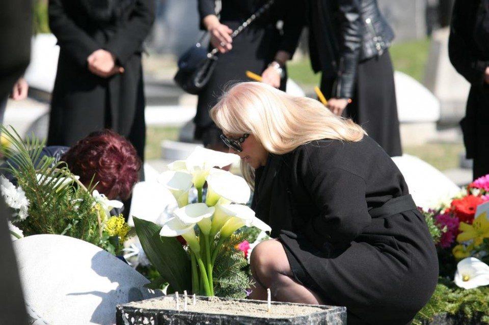 Лошото не бега од нив: Семејството Шаулиќ загубија уште еден член на семејството!