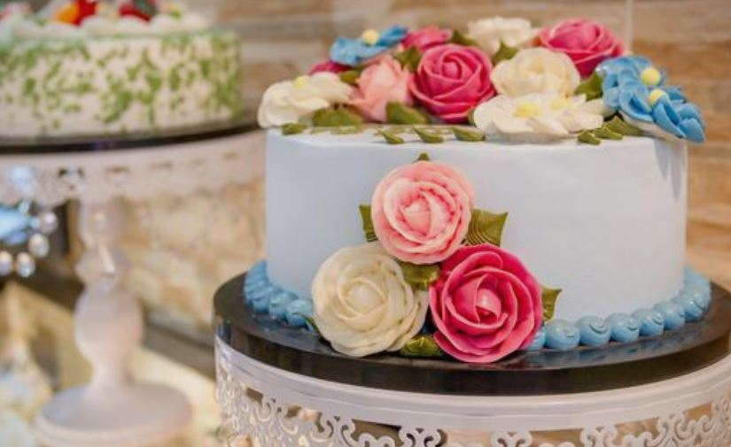 Купиле торта за прослава на матура: Кога сакале да ја исечат следело непријатно изненадување