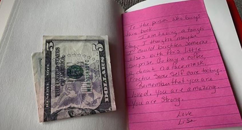 Девојка најде моќна порака во нова книга што целосно ѝ го променила животот