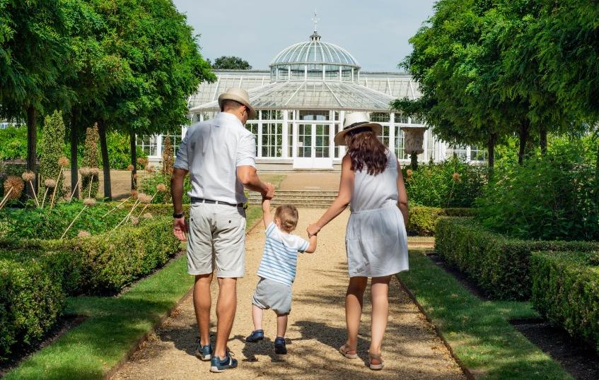6 начини како да ја задржите страста во бракот и откако ќе добиете деца