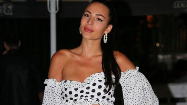 """Анастасија Ражнатовиќ во секси бела комбинација се појави на фестивалот """"Влез"""", а еве кој и правеше друштво"""