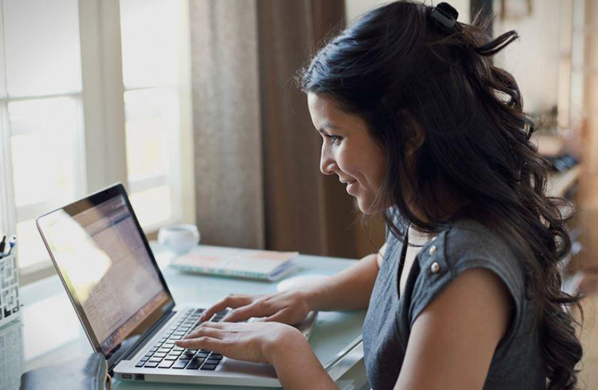 Како треба вистинските дами да се однесуваат на социјалните мрежи?