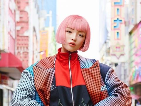 Запознајте ја Има, компјутерски генерираната виртуелна манекенка од Јапонија