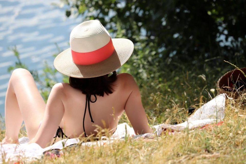 Ваков тренд досега немало: Овие бикини се хит на плажите, а принтот им е посебен! (фото)