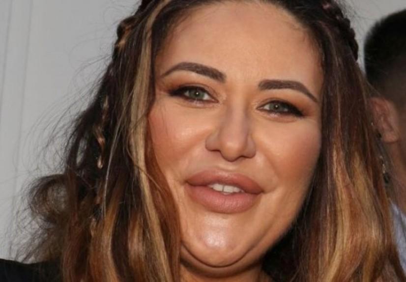 Сите и се потсмеваа дека е дебела, а сега Ана Николиќ им ја затвори устата со фотографија во бикини од плажа (фото)