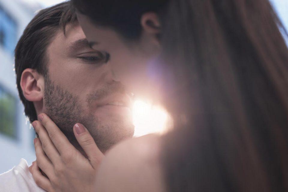 Дали вашиот партнер ве искористува само за секс? Овие 10 знаци го откриваат тоа!