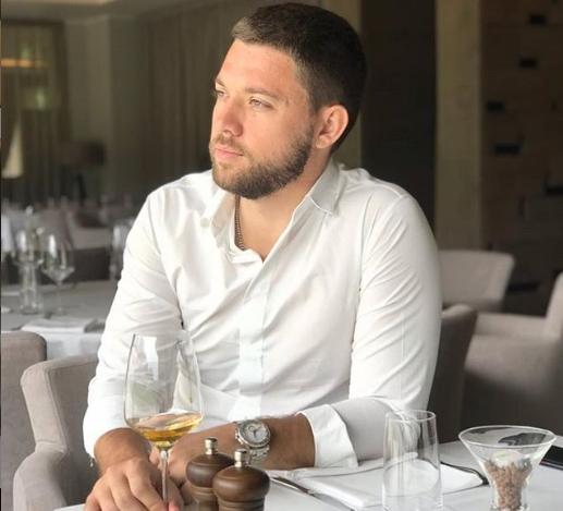 Стефан Живојиновиќ изненади со огласот преку кој се бара девојка за сериозно! (фото)