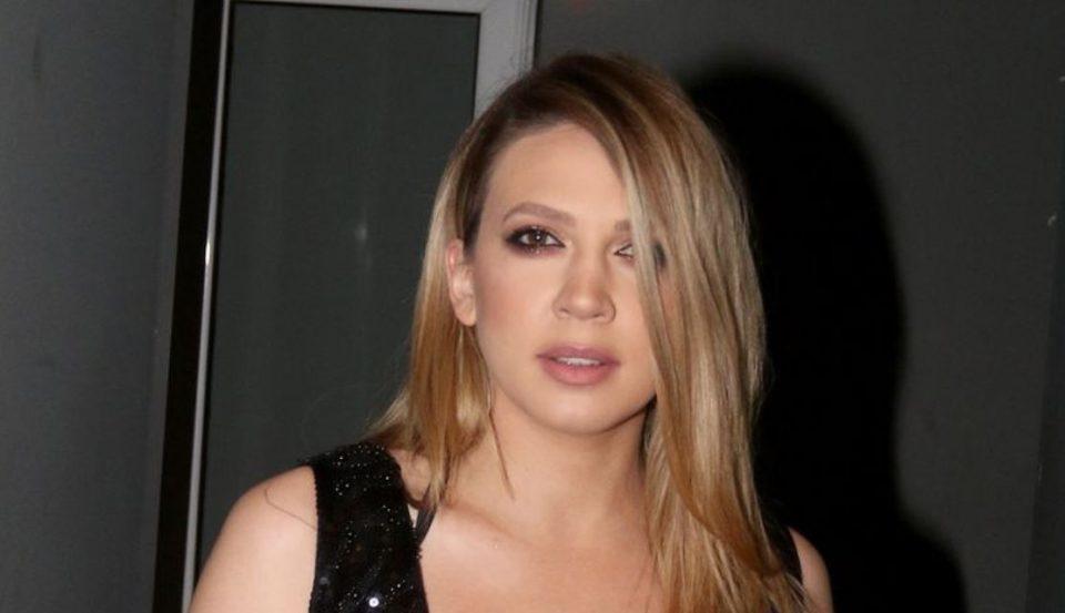 Ова ретко се случува: Милица Тодоровиќ се соблече во бикини, па ги покажа своите секси атрибути