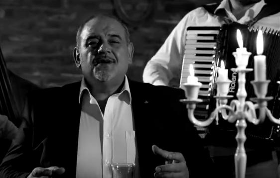 """Миле Кузмановски запеа уште една за душа и неговиот """"Чадор стар"""" (видео)"""
