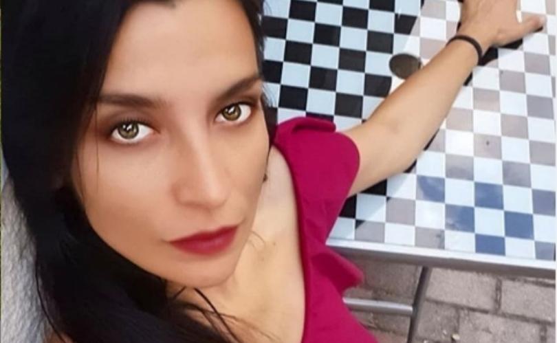 Андријана Јаневска позираше пред сопругот во бикини, а коментарот од Мијата ја остави во чудење! (фото)