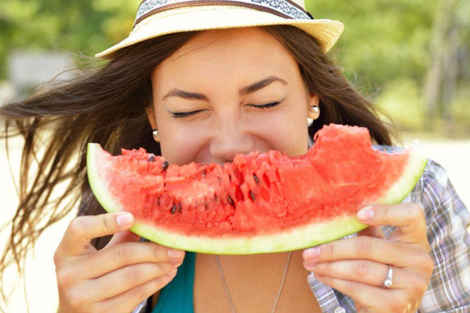 Зошто треба да јадете лубеница секојдневно за време на летото?