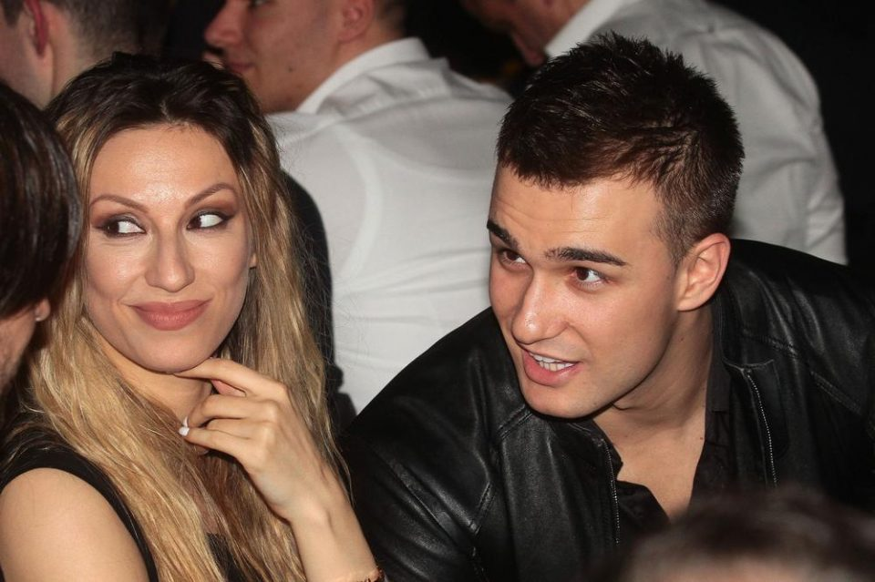 """""""Една моја колешка му праќаше фотографии од долна облека"""": Рада Манојловиќ откри се што морала да трпи во врската со Харис"""