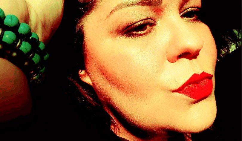 """Биба Додева пее за изгубената животна љубов во фестивалската – """"Како некогаш"""" (ЛИРИК ВИДЕО)"""