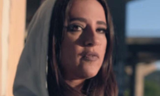 Откако лани осамна на сајт за возрасни, српската пејачка сега направи нов скандал (ФОТО)